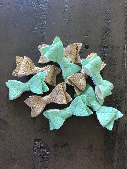 cross print bows